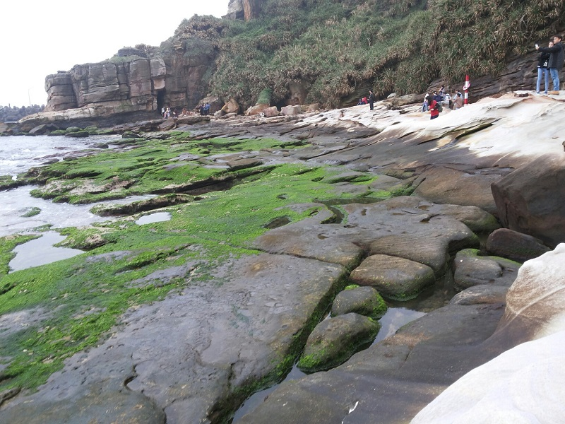 For anyone who would like to have a little fun in the outdoor, a visit to Jinshan's Mystery Coast and Guangwu Tunnel is on the top of must-do activiti