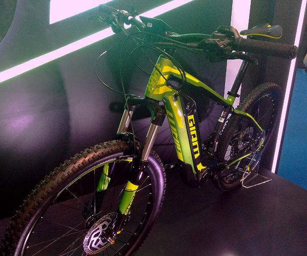 Giant's Dirt E+ hybrid bike