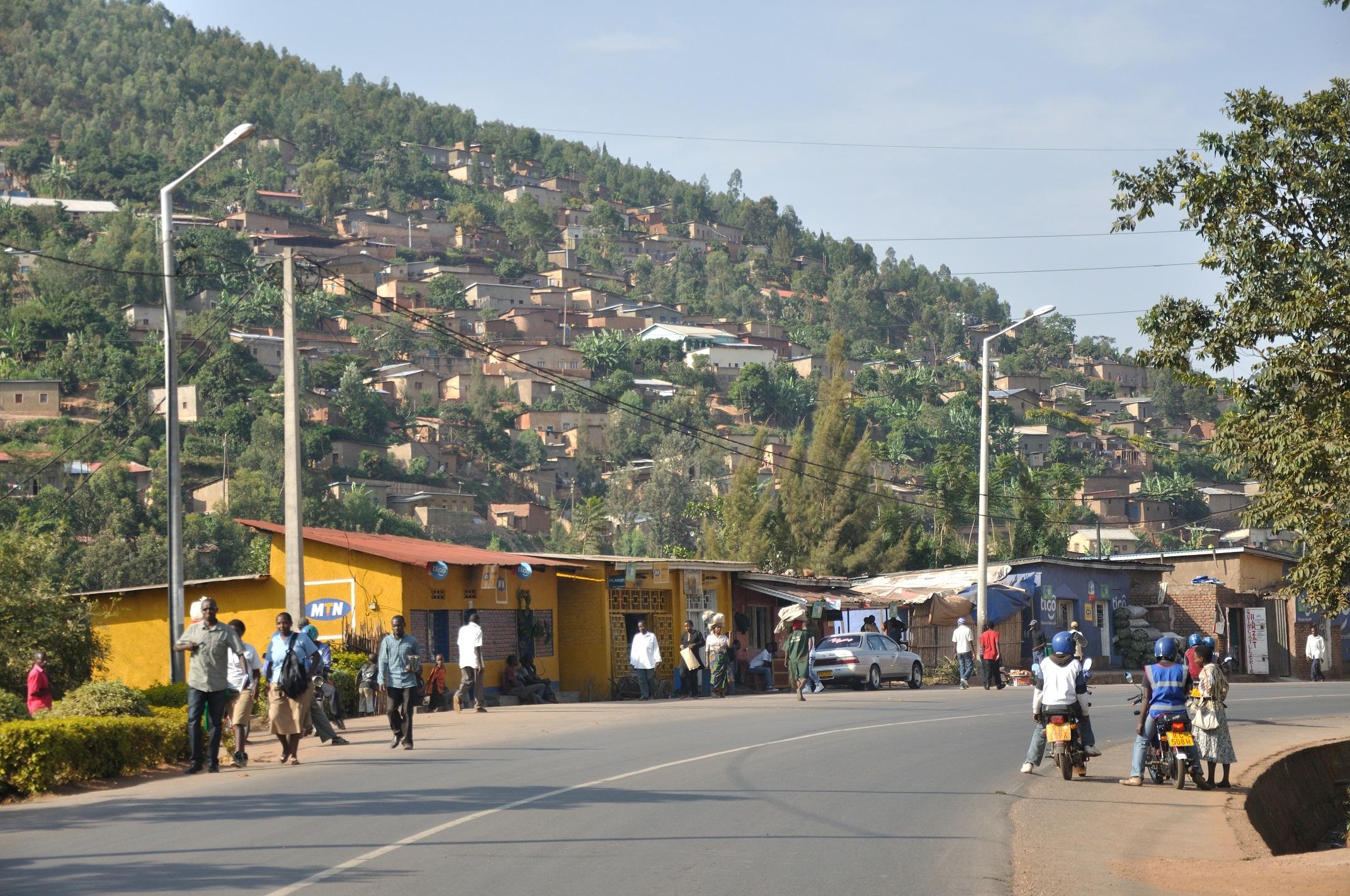 被問到哪些問題對盧安達人來說是忌諱,Amiel腦中浮現的第一個問題就是「你是哪一族人」。