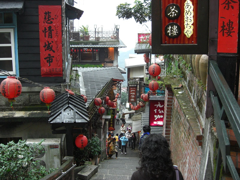 Taiwan's Tourism Bureau said Monday that the government gave a total of less than NT$20 million (US$650,000) of subsidies to members of 297 foreign to...