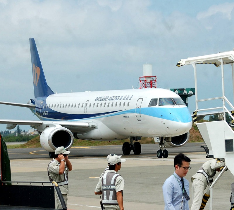 Mandarin Airlines (華信航空) will triple its number of flights between Taiwan and the Penghu archipelago, beginning on June 1 this year, according to the