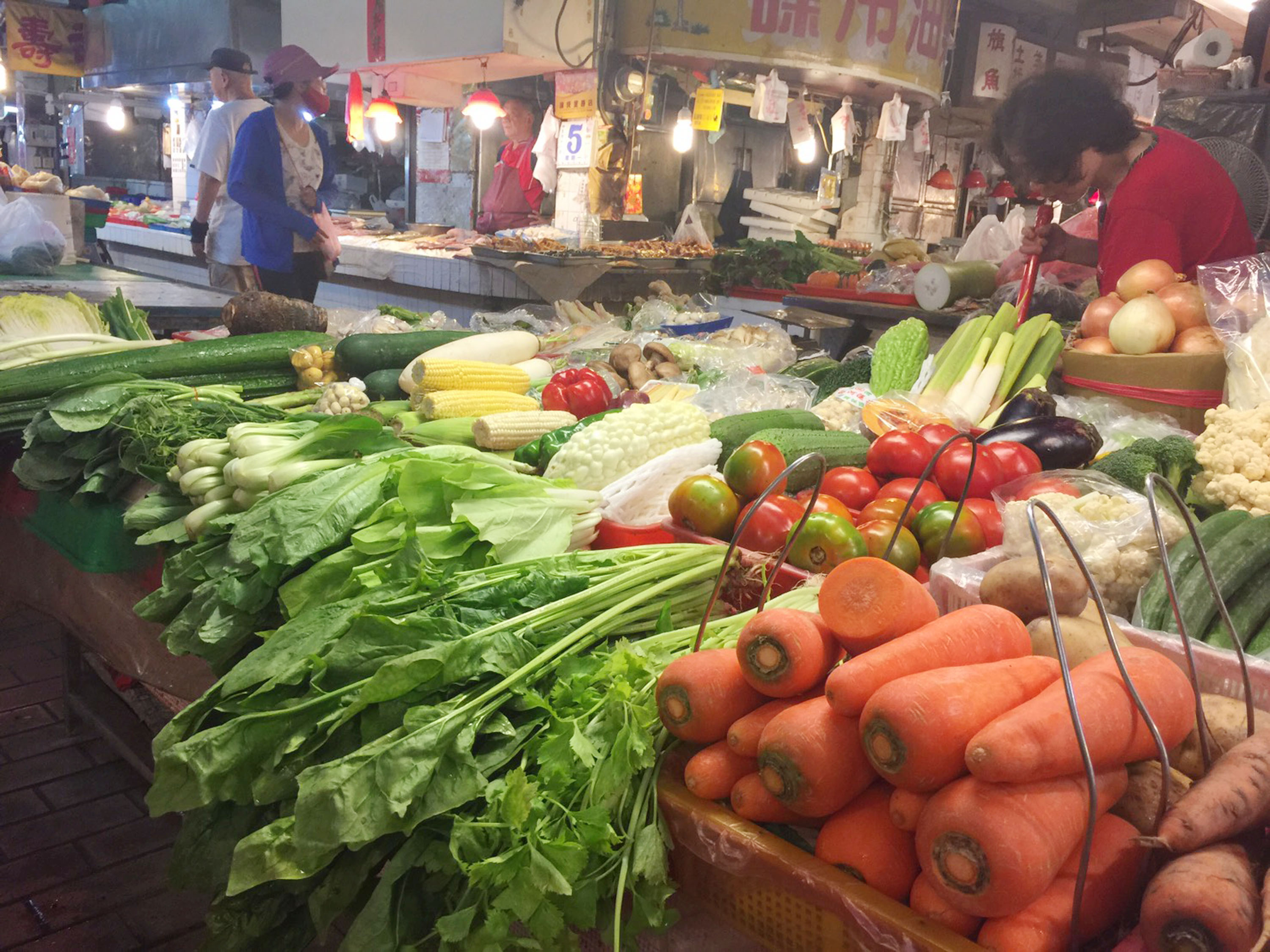 Straight days of heavy rain have caused severe damages to crops causing steep price hikes for leafy greens in traditional markets.
