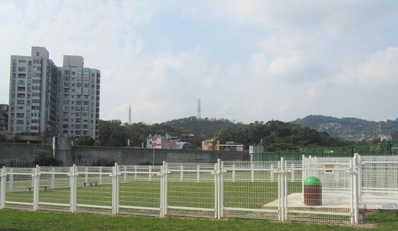 New dog park opens near Taipei Zoo