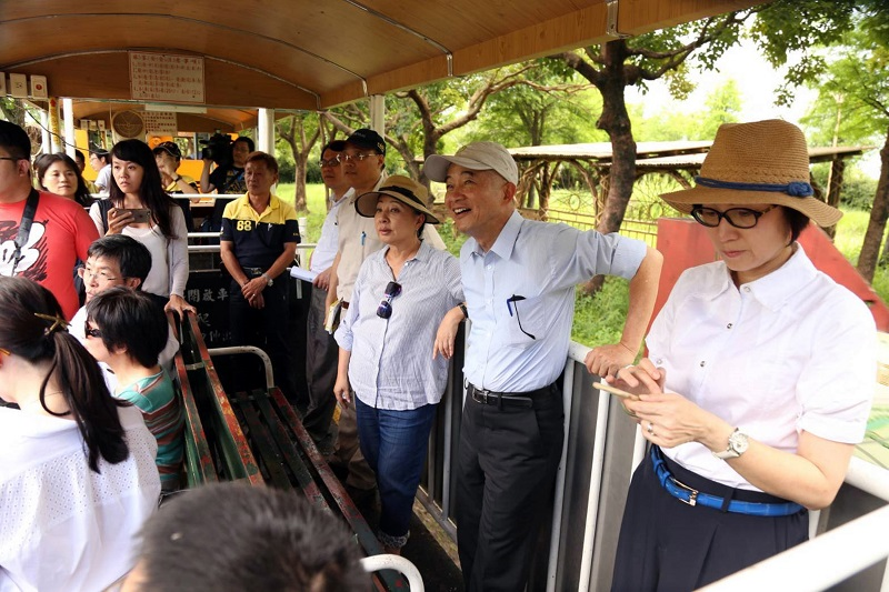 The extension plan of a legacy railway in Taiwan's southwestern county of Chiayi got a shot in the arm on Tuesday as the country's minister of transpo