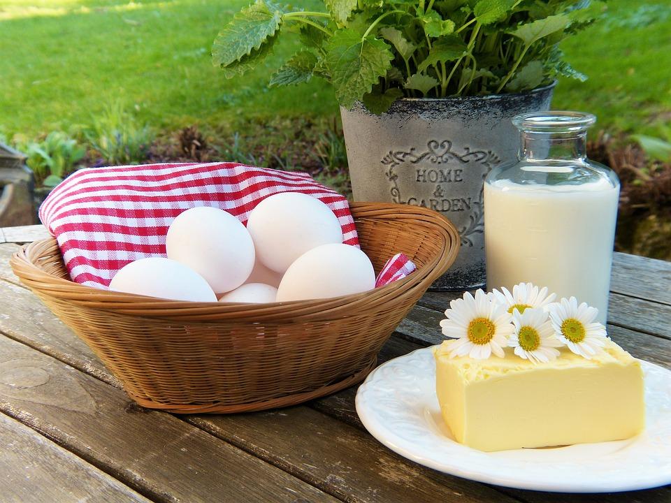 歐盟對於奶的定義是「含括了所有源自牛奶的商品」。(圖片取自Pixabay網站)