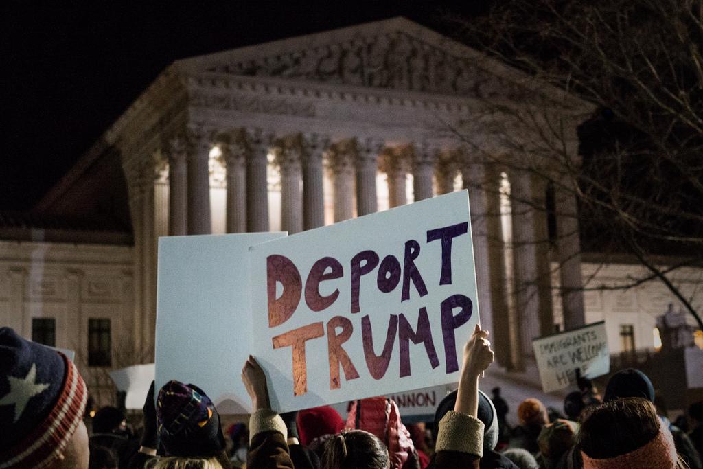 美國國務院宣布,將放寬對穆斯林國家公民入境的禁令,允許美國公民的穆斯林祖父母入境。(圖片來源:Flickr)