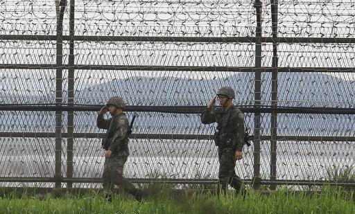 在北韓本(7)月稍早試射洲際飛彈後,南韓當局罕見地決定要與北韓進行軍事談判。(圖片來源:AP)