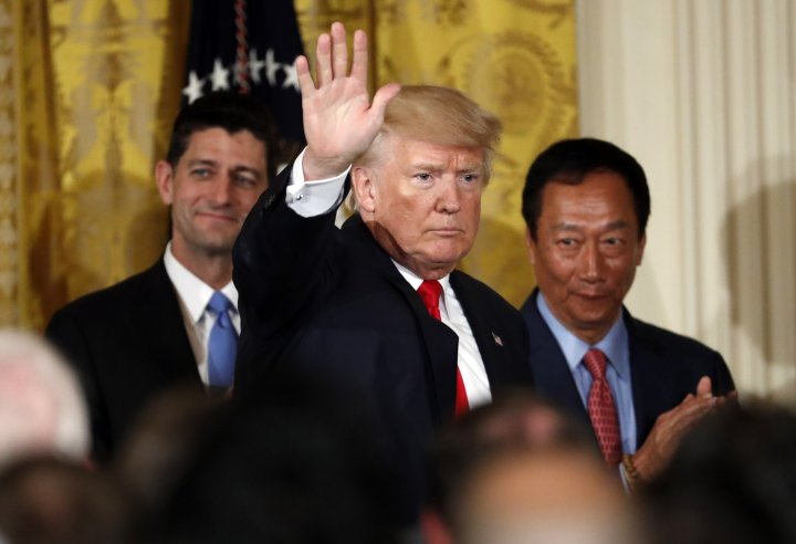 Terry Gou (right) at the White House with President Trump and House Speaker Paul Ryan (left).