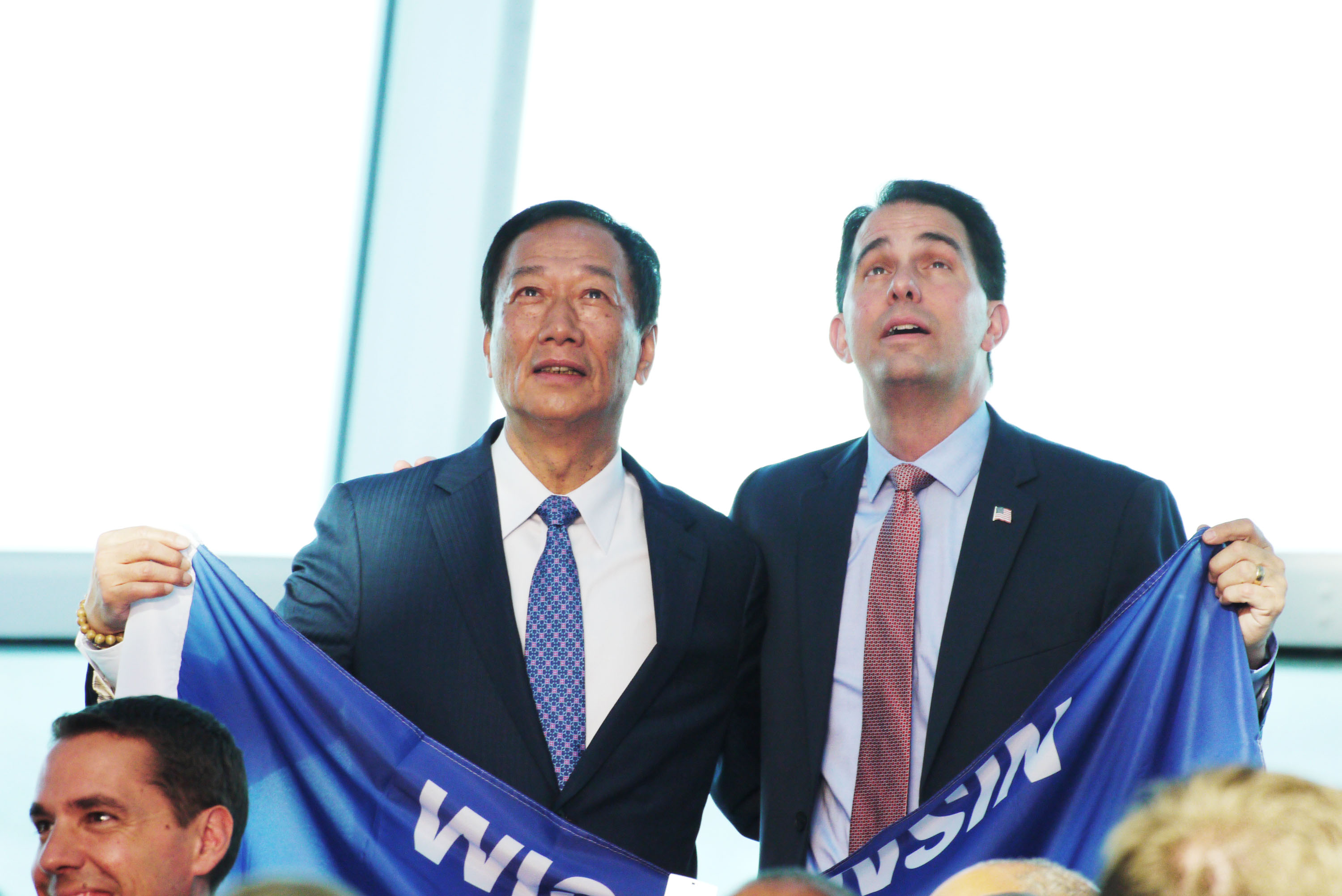 Foxconn chief Terry Gou (left) with Wisconsin Governor Scott Walker.