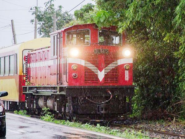 Alishan train to shut down 3 days for tropical storm Nesat.