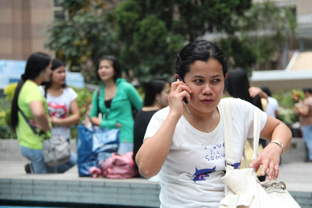 中國擬開放5大城市僱菲傭