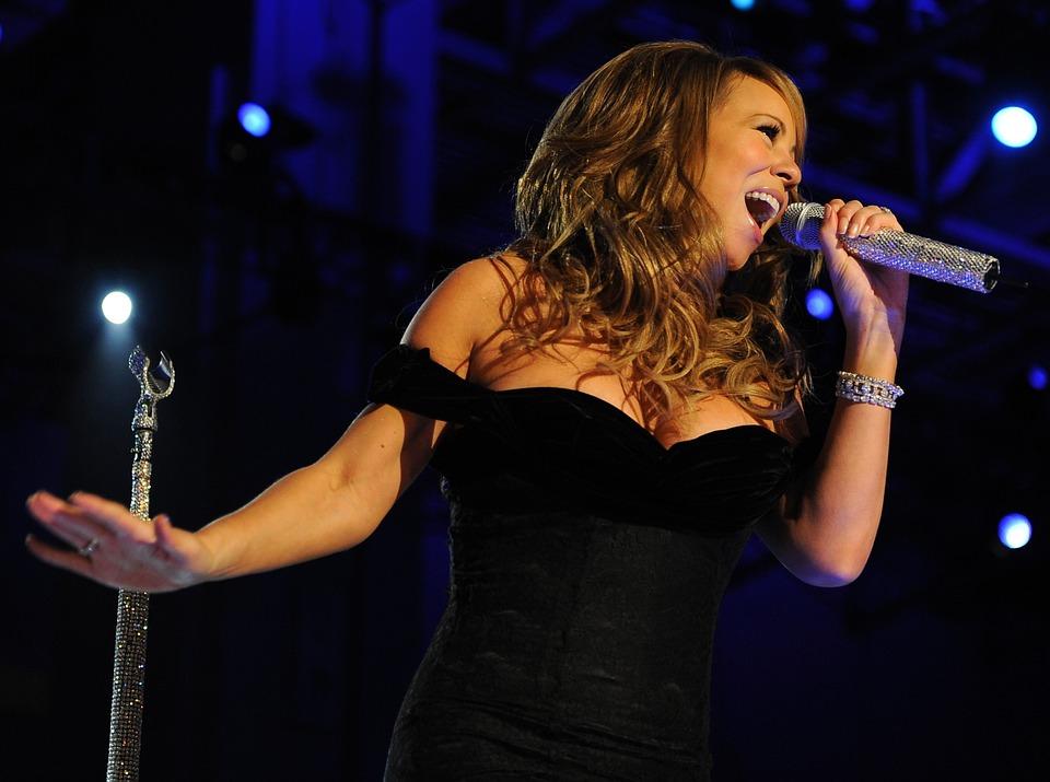 Concern erupts over Mariah Carey's weight gain