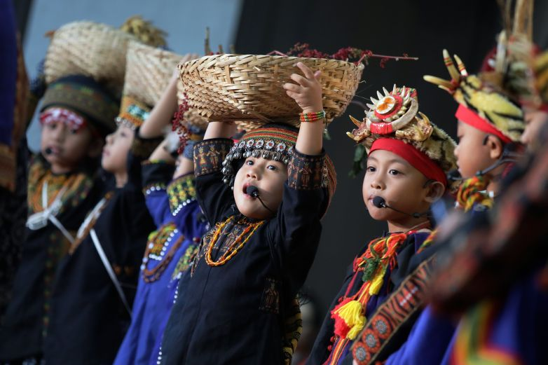 Indigenous children perform in Paiwan language at National Administrative Conference for Indigenous Peoples. (Courtesy of Office of the President)