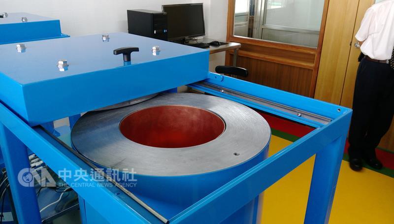 義美食品設置「食品輻射檢驗研究室」之設備照首度曝光。