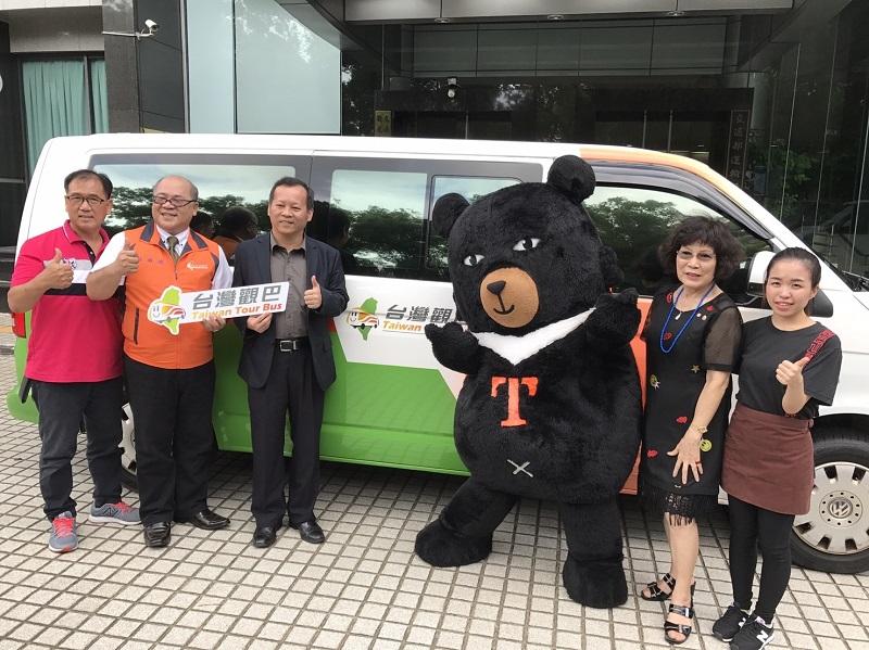 Taste your way around Taiwan with Taiwan Tour Bus