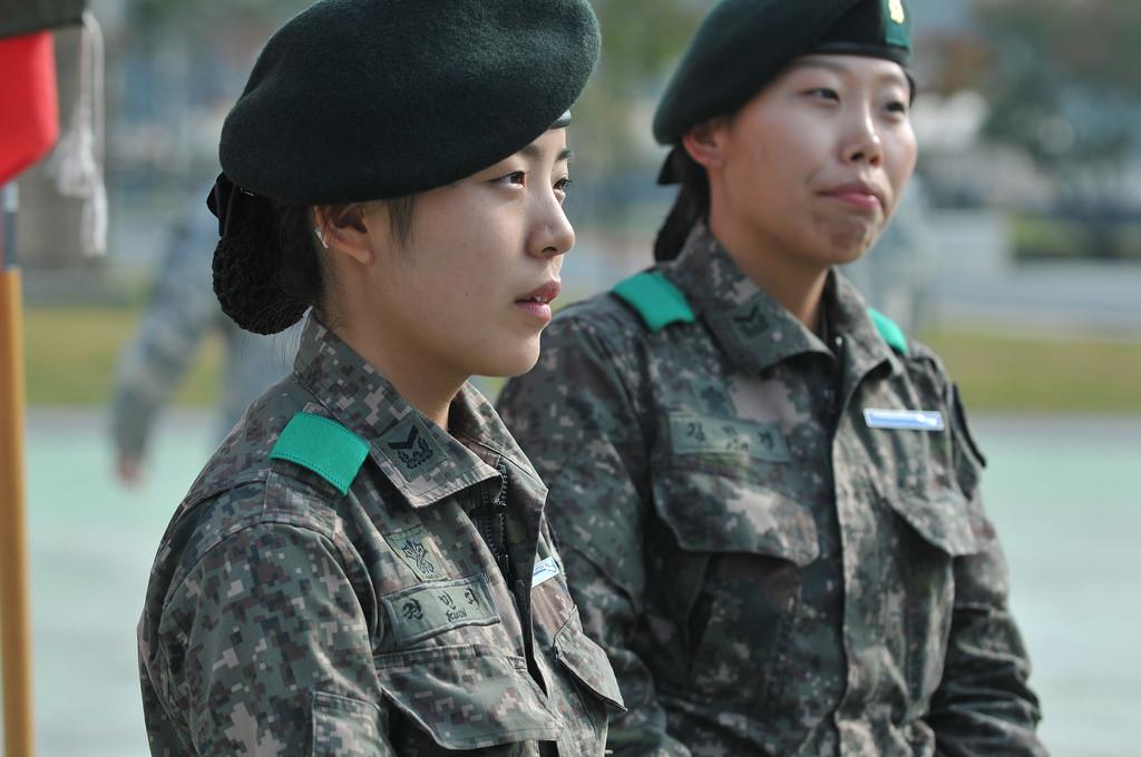 South Korean female soldiers earn the Expert Infantryman Badge.