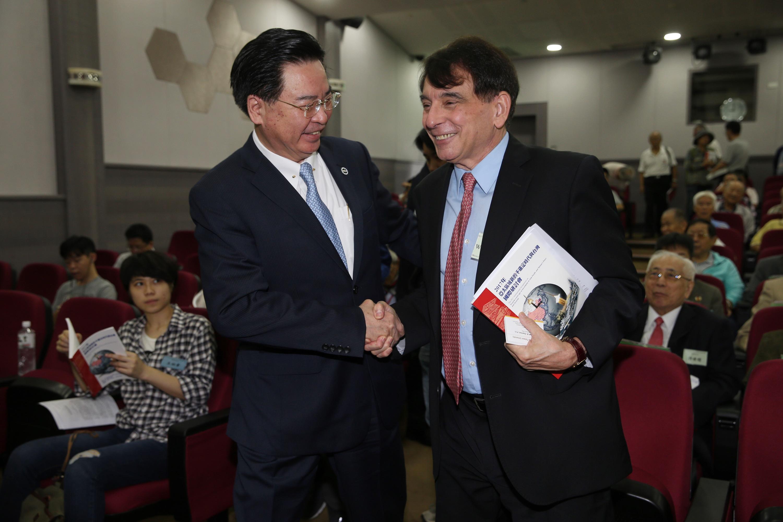 Presidential Secretary-General Joseph Wu (left) with former AIT Director William Stanton.