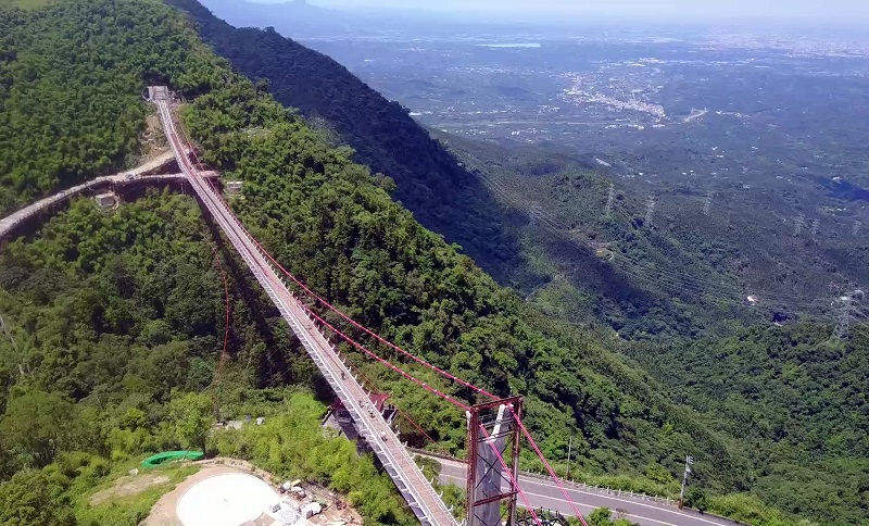 Public bus service will coincide with the opening of Taiwan's longest sightseeing suspension bridge, the Taiping suspension bridge.