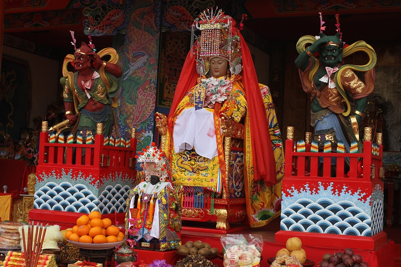 The arrival of the Meizhou Mazu statue from the deity's original temple in China has caused a stir with Taiwanese believers.