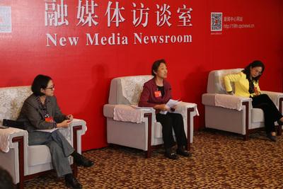 圖為中共19大在北京召開期間,「台灣代表團」黨代表盧麗安(左起)、蘇輝、江爾雄,20日晚間接受媒體訪問。中央社