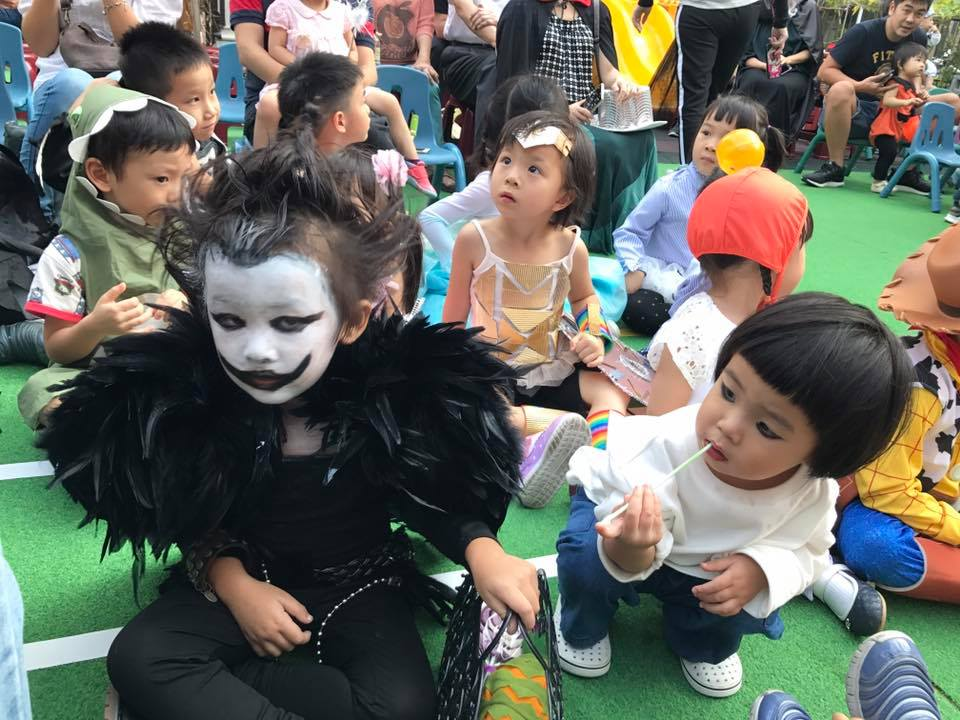 Halloween Duo.Remember Her Cutest Halloween Duo Becomes In Taiwan News