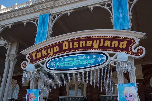 Anna and Elsa Frozen Fantasy at Tokyo Disneyland. (Flickr user Ricky Brigante)