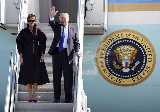 川普夫婦結束兩天日本行,下一站將於7日前往南韓。(圖片來源:AP)