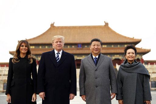 美國總統川普昨(8)日展開訪問中國的三天行程,訪中第一天兩國企業家即簽署19條、總計約90億美元的中美商業協議,而這還可能只是訪中大禮之一