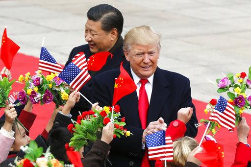 美國總統川普今(9)日與中國國家主席習近平會面時表示,他認為他與習近平兩人能處理「幾乎」所有的全球問題。(圖片來源:AP)