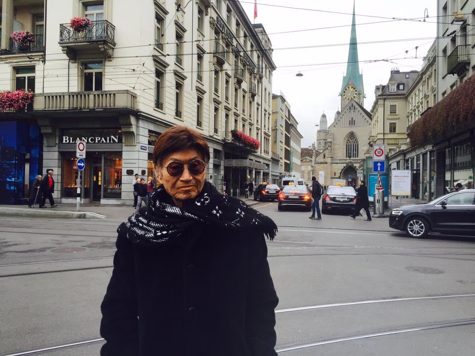 傅達仁(圖)與家人在瑞士旅遊照片。翻攝臉書
