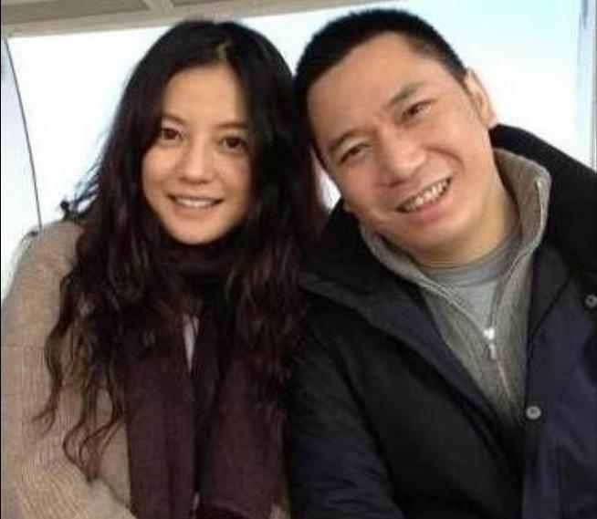趙薇與黃有龍夫妻倆涉入空殼交易。翻攝澎湃新聞網