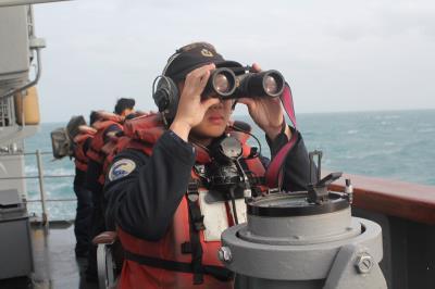 空軍司令部證實,已在雷達光點消失點附近約7浬的海域,偵測到疑似幻象戰機黑盒子的訊號,但仍須待天氣好轉再進行進一步水下辨識動作。