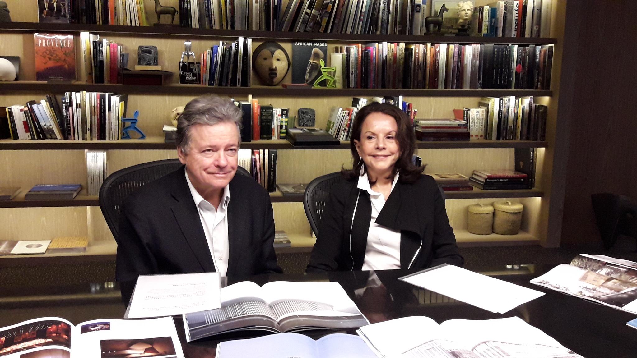 法國知名建築師克里斯蒂安・德・波宗巴克(左)伊麗莎白・波宗巴克(右)
