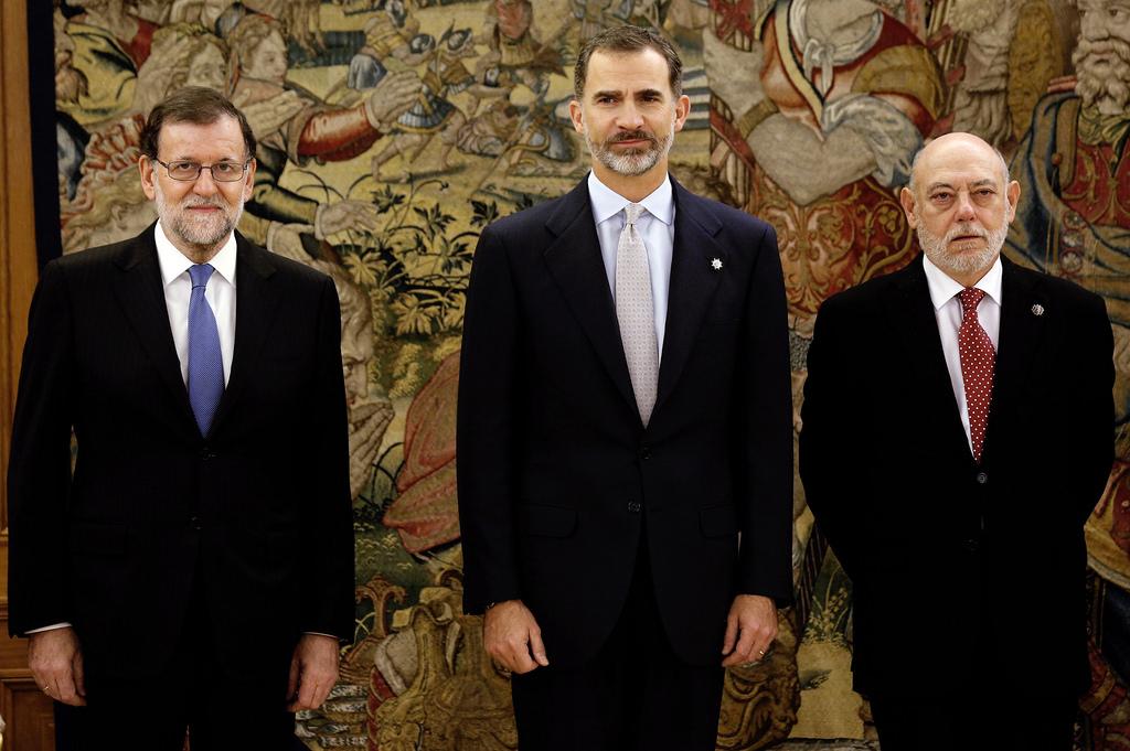 西班牙總理拉荷義(左一)、國王菲利浦六世(中),以及檢察總長馬薩(右一)。(來源:Flickr: https://www.flickr.c