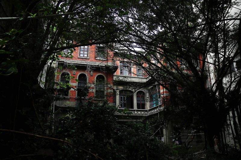 The backyard of the Baroque residence built in the 1920s. (Photo by CNA)