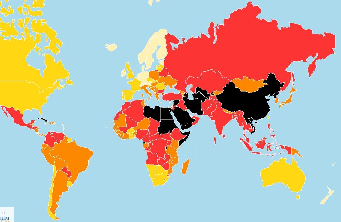 無國界記者組織(RSF)近日公布的年度報告,指中國新聞自由度墊底,同北韓被歸類在黑暗區(黑色)。(圖片翻攝自RSF官網)