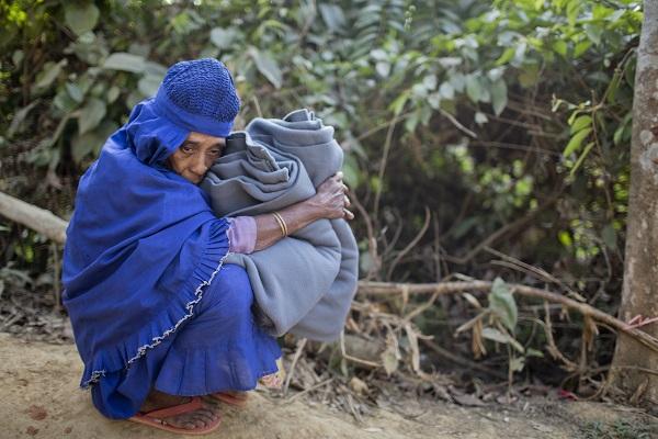 A Rohingya Muslim woman at Kutupalong refugee camp in Ukhiya, Bangladesh,