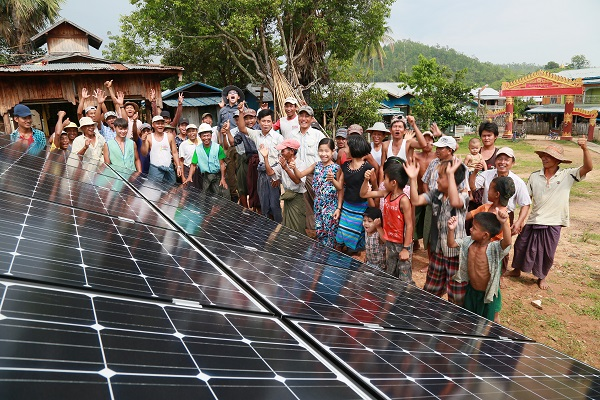 TaiwanICDF and locals in Myanmar celebrate the installation and successful operation of solar panel lighting systems.