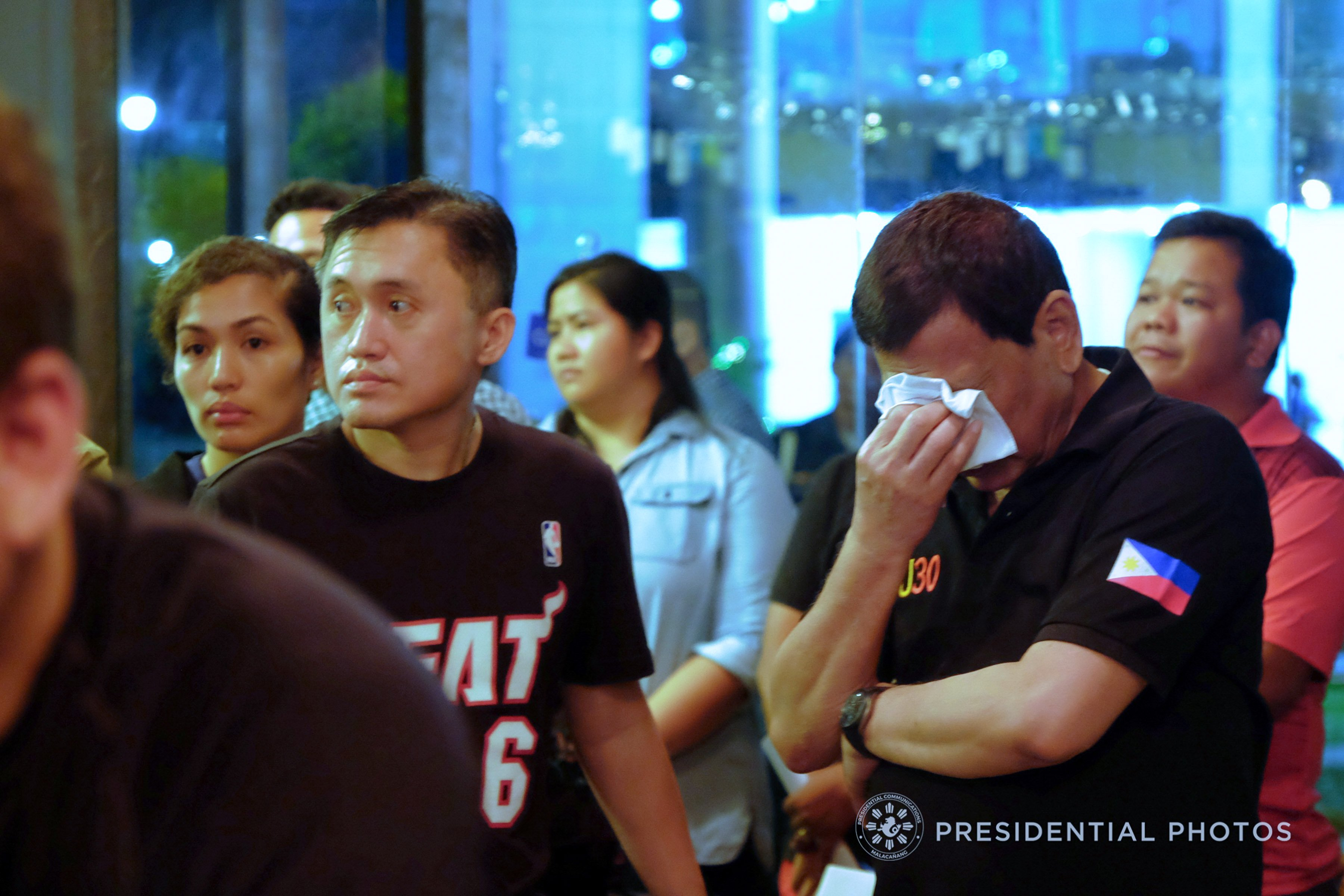 President Duterte breaks down in tears visiting families of victims in Davao City fire