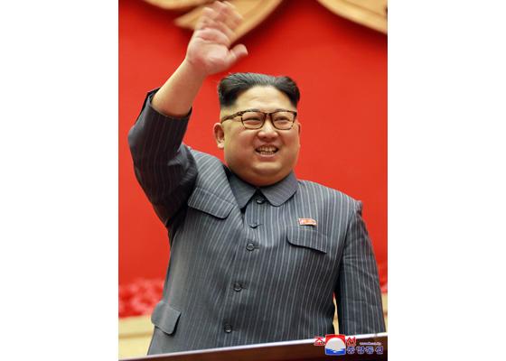 北韓領袖金正恩開心揮手(圖片來源:朝鮮中央通信)