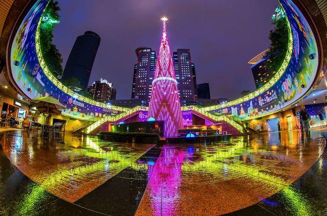 新北市歡樂耶誕城獲「亞洲4大完美耶誕市集」美譽