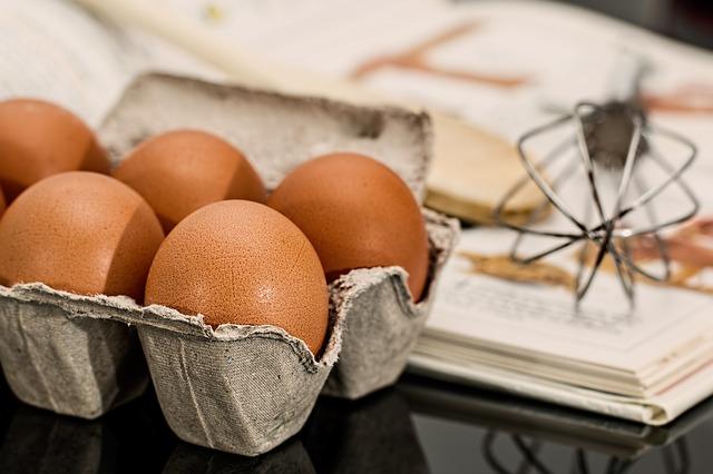 鴨蛋、雞蛋蛋黃越紅越營養? 食藥署:迷思