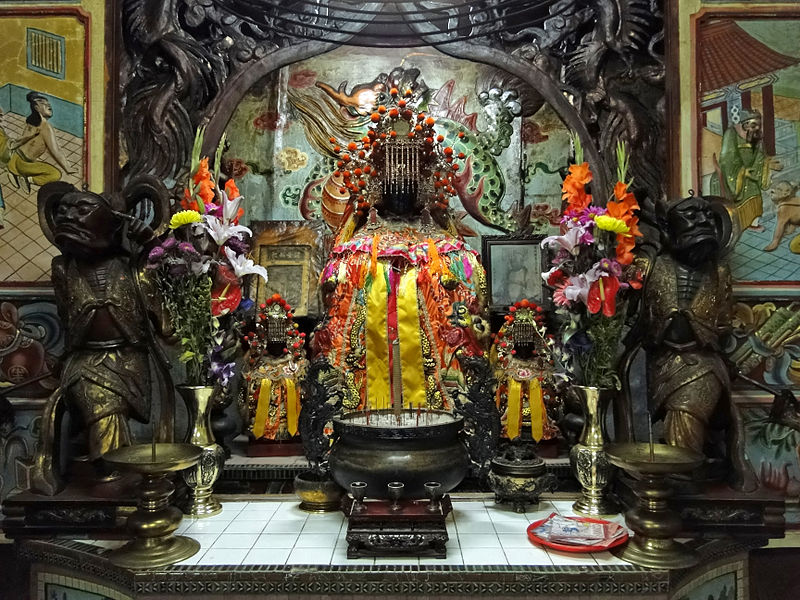 Temples in Taiwan upgrading security after thieves steal deities, try to mail them to China