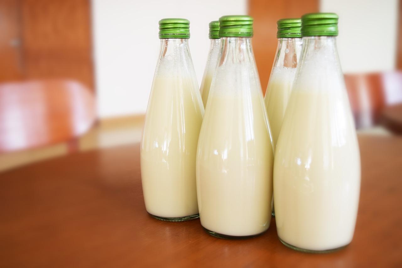 喝牛奶補鈣 喝越多鈣流失越多?食藥署:影響有限