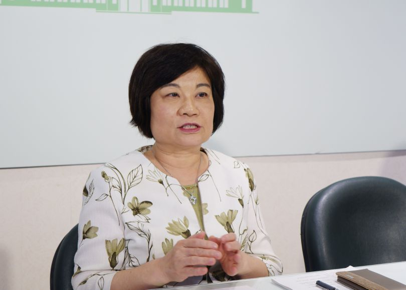 NDC Minister Chen Mei-ling prepares a special immigration law.