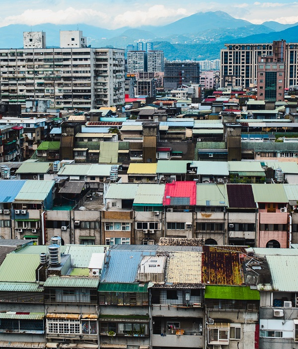 Taipei residential buildings (Image: Unsplash, User: Andrew Haimerl)