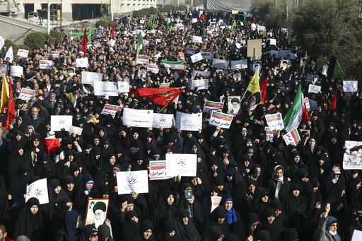 美國昨(2)天呼籲伊朗當局停止封鎖網路社群媒體,並建議伊朗人民設立虛擬私人網路,以規避當局審查。(圖片來源:AP)