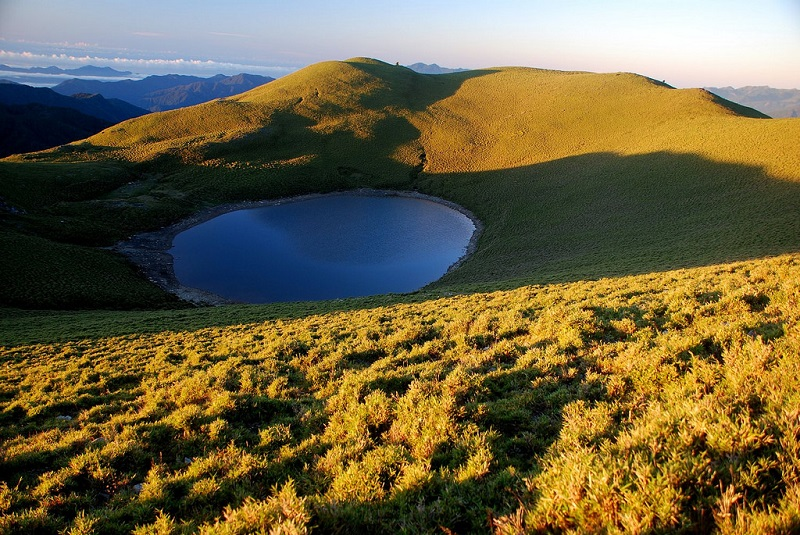 "Lake Jiaming, dubbed ""Angel's Tears,"" will be off limits to hikers for about three months, starting Jan 5 until Apr 1"