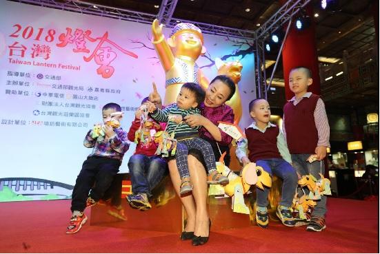 2018台灣燈會3月2日元宵節在嘉義縣太保舉行,嘉義縣 長張花冠4日北上替燈會宣傳。中央社