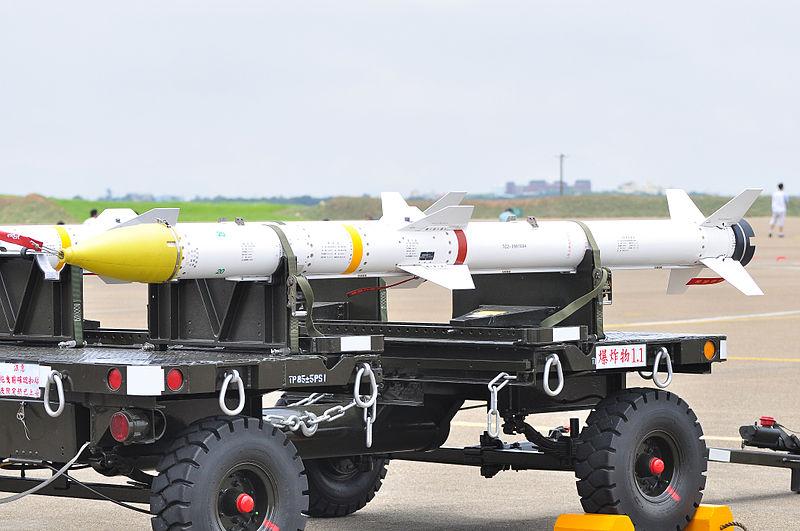 2010年臺中清泉崗基地開放時所展示的天劍二型飛彈。 (維基百科)